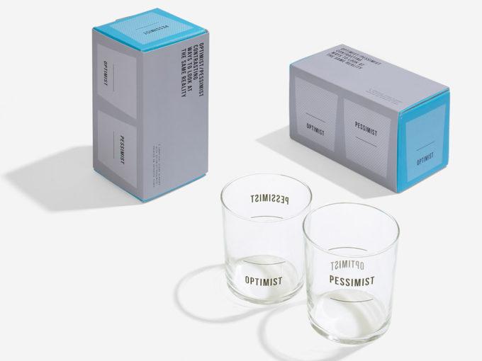 school of life staklene čaše set od dvije optimist i pesimist i kutije