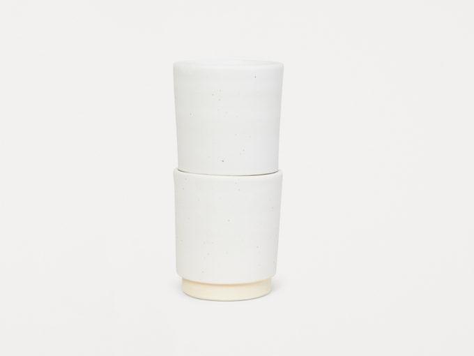 frama otto bijele keramičke šalice složene