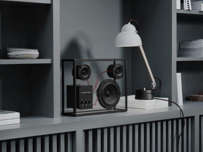 transparent sound crni stakleni bluetooth zvučnik veličine l lifestyle